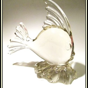 VIKING ART GLASS -- CLEAR FISH