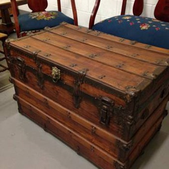Restored trunk  - Furniture