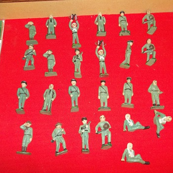 CAST TOY SOLDIERS - Toys