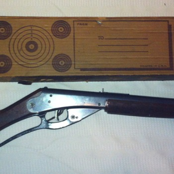 Red Ryder BB Gun NO 111 Model 40 ca. 1938-1940 WITH ORIGINAL BOX - Toys
