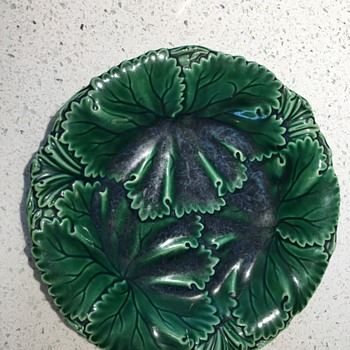 Wedgewood Leaf Design