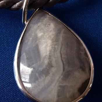 Stone pendant - Fine Jewelry
