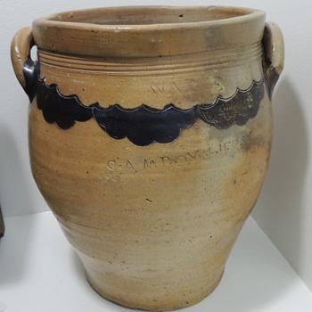 Stoneware Crock - THOMAS WARNE - Cheesequake, NJ (c. 1800)