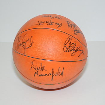 University of Kentucky Signed Basketball - Basketball