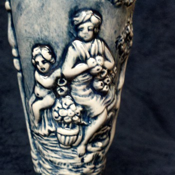 Capo Di Monte ewer with cherubs in Garden of Eden - Art Pottery