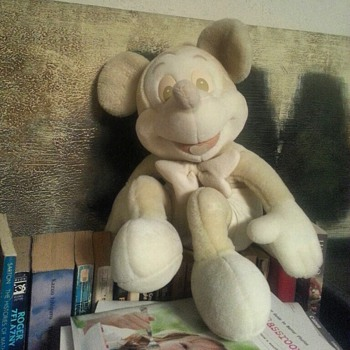 Found in my closet! M-I-C-K-E-Y-M-O-U-S-E! - Dolls