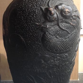 Bretby Clanta urn. - Art Pottery
