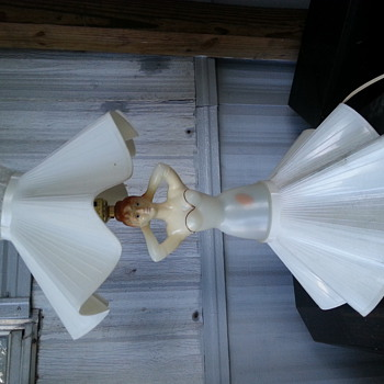 women lamp with white dress
