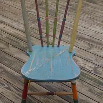 SARGENT Floor & Furniture Enamel color display chair