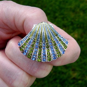 Monet Enamel Seashell Brooch - Costume Jewelry