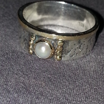 HAND MADE 18k SILVER PEARL ACCENT RING BAND - Fine Jewelry