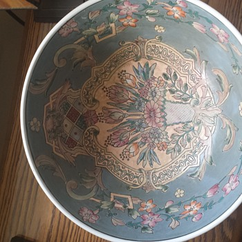 Anyone know what this is? Etched bowl - Pottery
