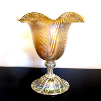 Quezal Floriform Vase c.1910 - Art Glass
