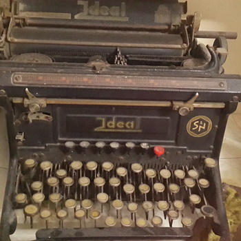 Hebrew letters, Seidel & Naumann typewriter, Ideal series - Office