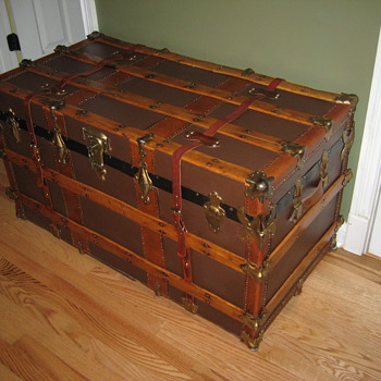 My Big Brown Flat Top Trunk - Furniture