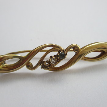 Golden brooch- flea market find € 0,50 - Fine Jewelry