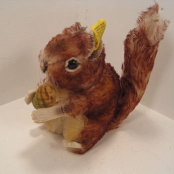 Steiff's Perri the Squirrel - Dolls