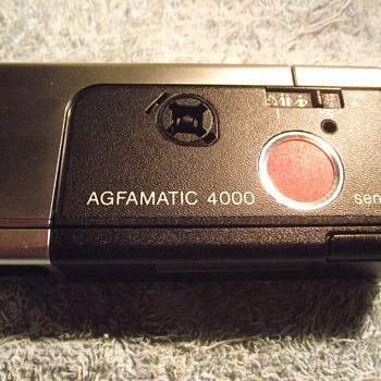 1975-agfa cameras-agfamatic 4000 pocket camera. - Cameras