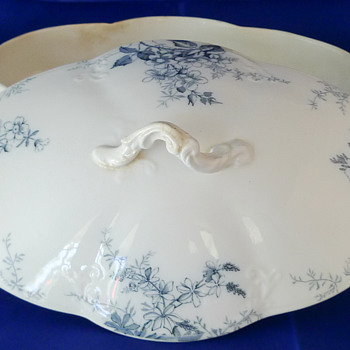 "Alfred Meakin ""Blossom"" pattern Tureen ~ Globe stamp 1891-1897"