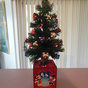 "Disney Fiber optic 17"" Christmas tree"