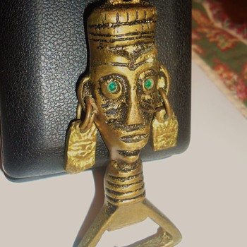 South America Inca Bottle Beer Opener, with green eyes! - Breweriana