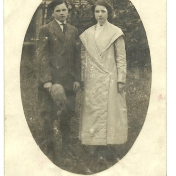 Postcard of John and Goldie Call
