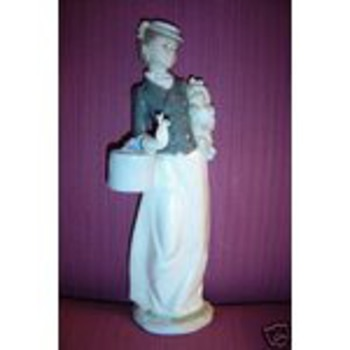 Nadal figurine - China and Dinnerware
