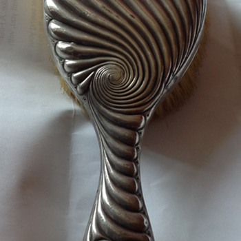 Victorian silver hair brush c.late 1890s by Elkington & Co Ltd. - Victorian Era