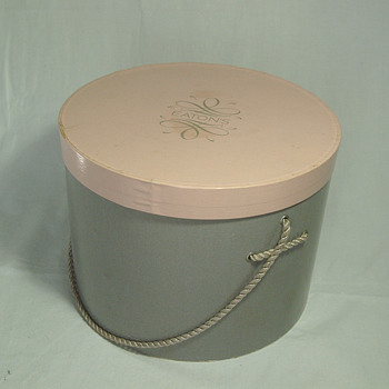 The T. EATON Co Limited, Winnipeg Hat Box