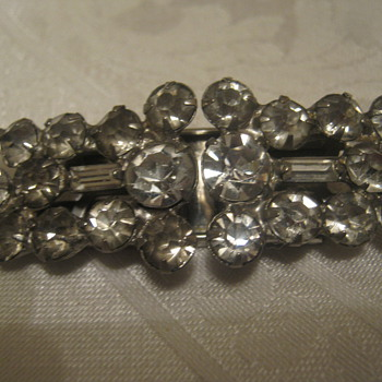 Art Deco Brooch/Clip - Costume Jewelry