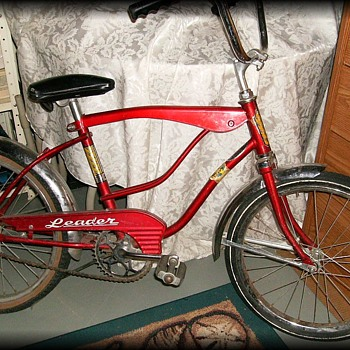 OLD RED BICYCLE ( Bike ) -- Leader