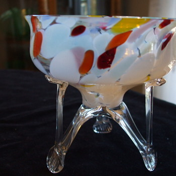 Bohemian Rocket-footed Bowl with Pastel Opalescent Spatter - Art Glass