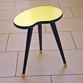 Fifties yellow side table
