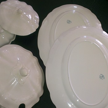 Old Staffordshire Johnson Bros Enland - China and Dinnerware