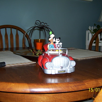 old mickey mouse &amp; goofy car 