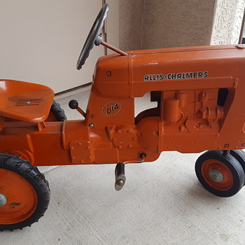 1955 Allis-Chalmers D14 pedal tractor