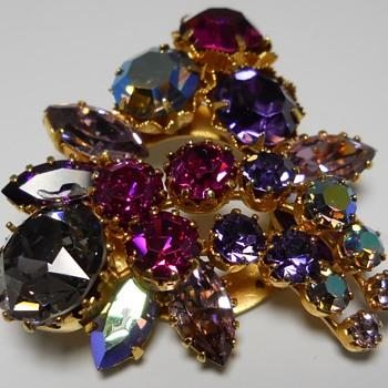 Triad Brooch, 20 Century - Costume Jewelry