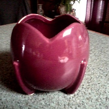 "Nelson-McCoy Magenta Tulip Shaped 4"" Ball Planter / Circa 1940 - Art Pottery"