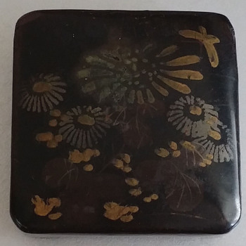 Lacquer?  Bakelite Covered Snuff Box?  1940 Chinatown Los Angeles - Asian