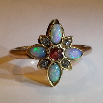Antique 15 ct gold opal, old cut diamonds and ruby ring - Fine Jewelry