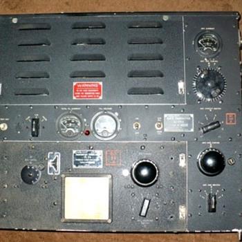 BC375-E WW2 Bomber radio - Radios