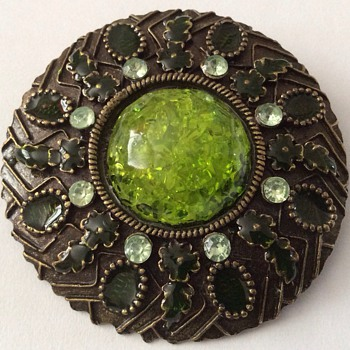 Vintage or antique? Brooch  - Costume Jewelry