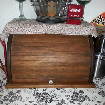 WOODEN SLIDING COVER BREAD BOX - Kitchen