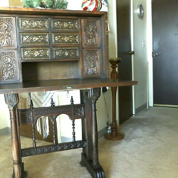 Antique desk? - Furniture
