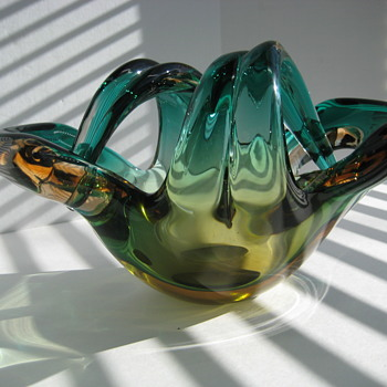 Italian art glass bowl - Art Glass
