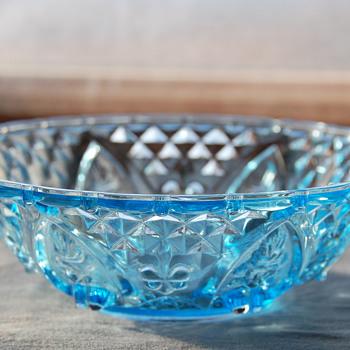 "Aqua Blue KIG Indonesia ""Fleur De Lis"" Bowl"
