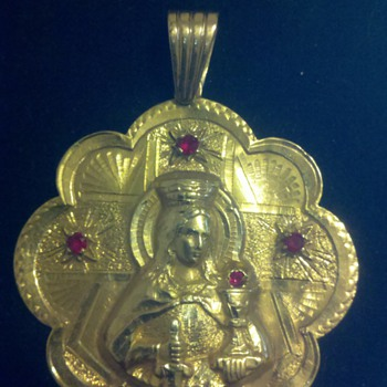  gold mary pendent