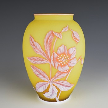 THOMAS WEBB & SONS 3 COLOR CAMEO VASE CIRCA 1896