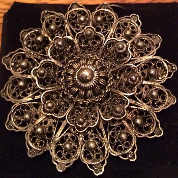 Antique brooch - Fine Jewelry