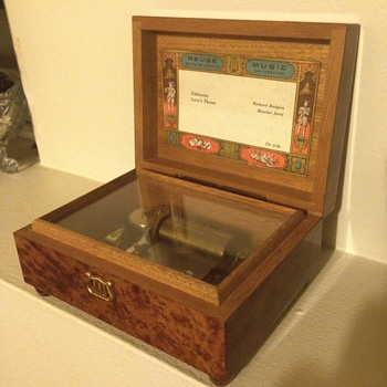 Reuge music box